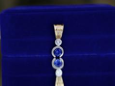 sapphire pendant, diamond jewelry, virginia beach jewelry store, hilltop pawn