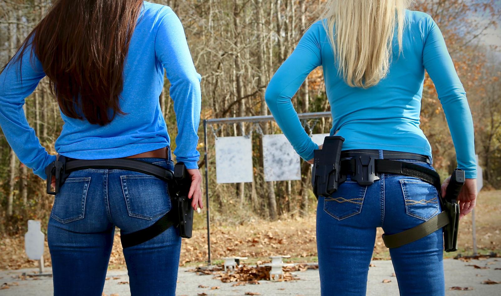 S And W >> Girl Shooting on Range Virginia, Best Gun Shop Chesapeake ...