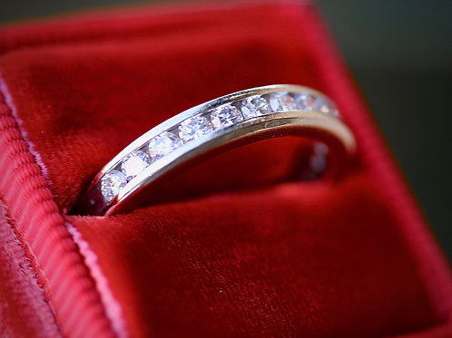 WOMENS ROUND DIAMOND WEDDING BAND