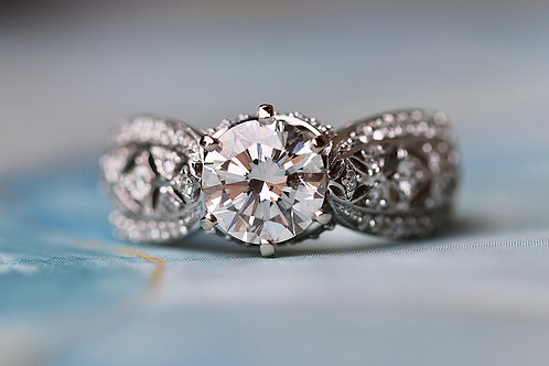ROUND DIAMOND FILIGREE ENGAGEMENT RING