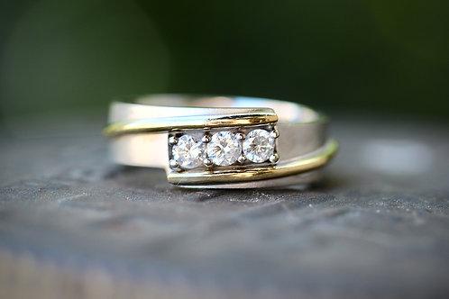 MENS THREE STONE DIAMOND WEDDING RING