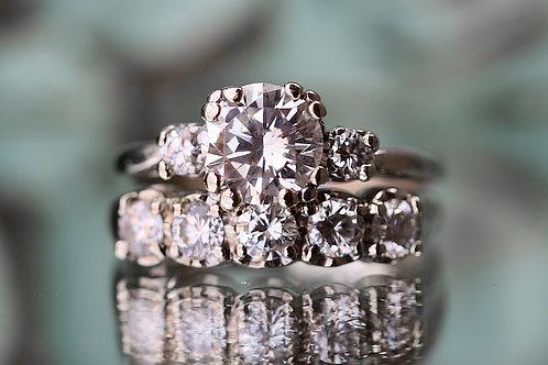 ROUND MULTI DIAMOND WEDDING SET