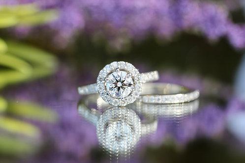 ROUND DIAMOND HALO WEDDING SET