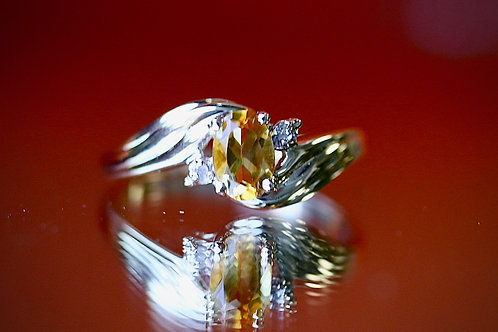 OVAL CITRINE AND DIAMOND COCKTAIL RING