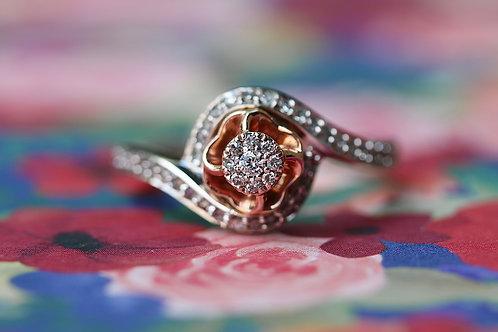 FLORAL DIAMOND FASHION RING