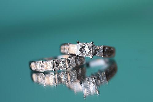 PRINCESS CUT & ROUND DIAMOND WEDDING SET