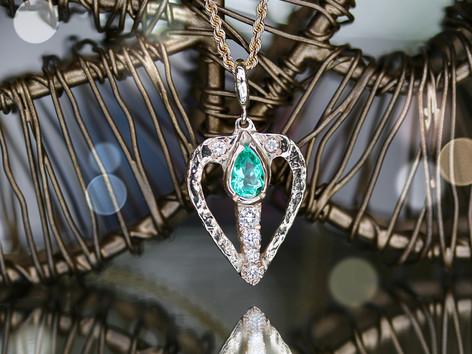 emerald, gemstone, yellow gold, virginia beach jewelry store, hilltop pawn