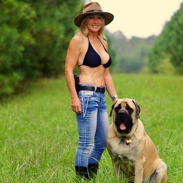 Glenda_Craddock_Chesapeake_Pawn_and_gun.