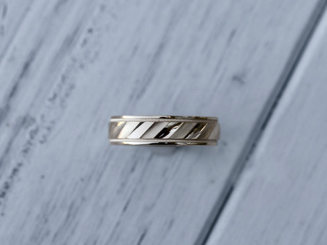 yellow gold, mens band, wedding jewelry, hilltop pawn, virginia beach jewelry store