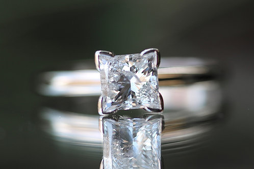 PRINCESS CUT SOLITAIRE DIAMOND ENGAGEMENT RING