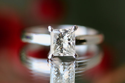 SOLITAIRE PRINCESS CUT DIAMOND