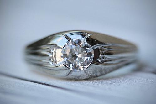 MENS ANTIQUE ROUND DIAMOND RING