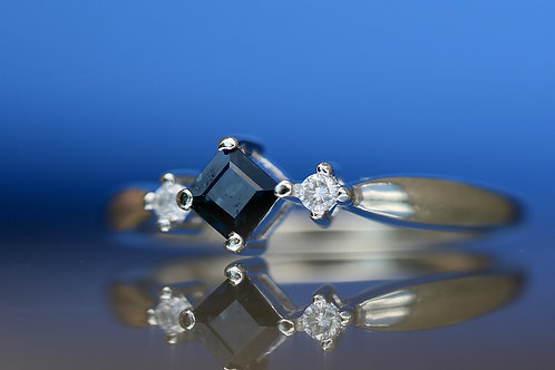 PRINCESS CUT SAPPHIRE RING WITH DIAMOND ACCENTS