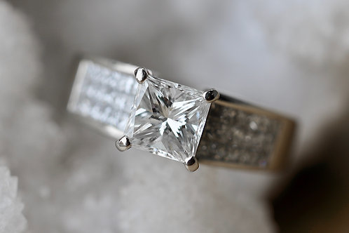 PRINCESS CUT THICK BAND ENGAGEMENT RING