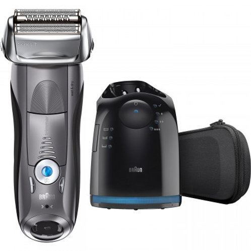 Braun SERIES 7 Rechargeable Shaver with Clean&Charge Station
