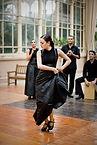 Bailarín del flamenco en Negro