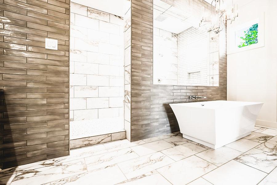 shower-tub%20angle_edited.jpg