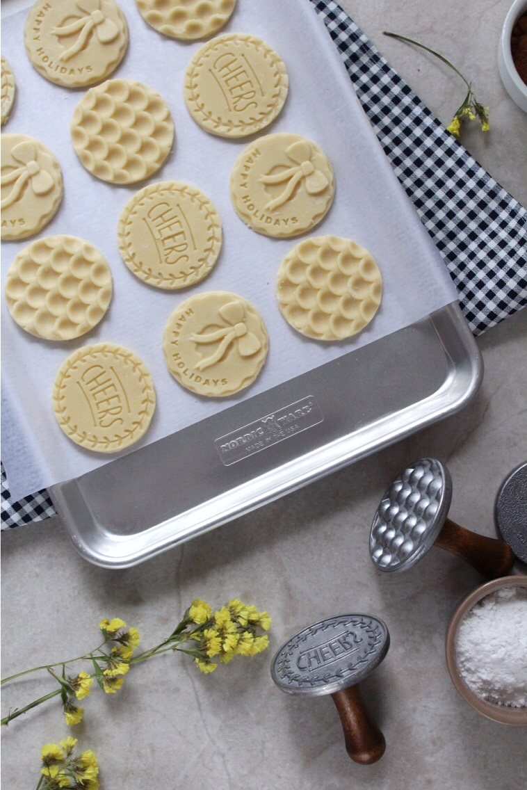 Stamp cookies