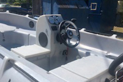 310 / 370 / 435 Steering Console with Storage
