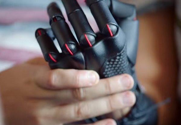 Black 3D printing prosthetic hand