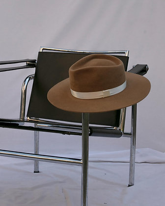 Timeless Hat Camel SS20
