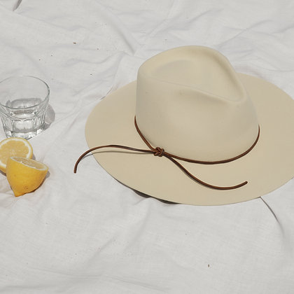 Timeless Hat Pearl SS20