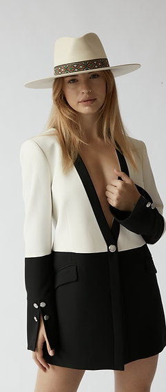 Blazer Feminino Estruturado Dazzling Seduction SS21