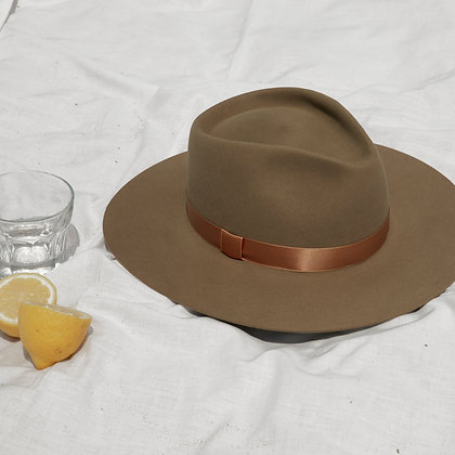 Timeless Hat Olive SS20