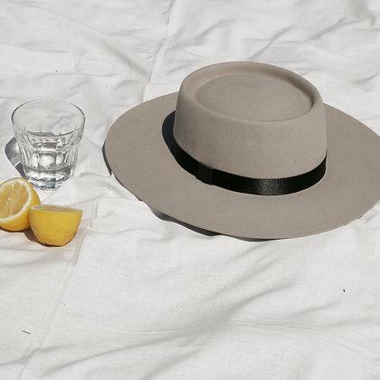 Hat Affair Champagne SS20
