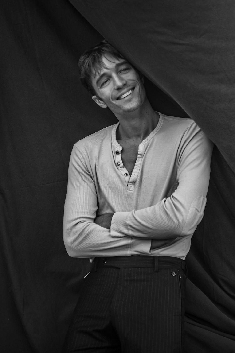 """Francesco Mariottini, ex ballerino di """"Amici"""": """"Superare il bullismo confidandosi con la famiglia"""""""