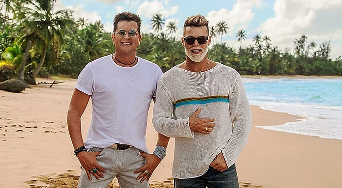 "CARLOS VIVES e RICKY MARTIN per la prima volta insieme nel nuovo singolo""CANCIÓN BONITA"""
