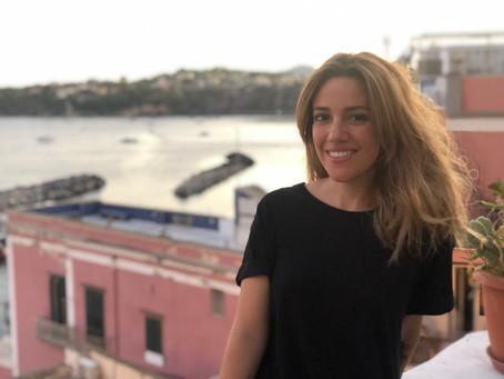 """La scrittrice Chiara Sfregola, vince il Premio Afrodite: """"Ci sono presupposti per un mondo di donne"""""""