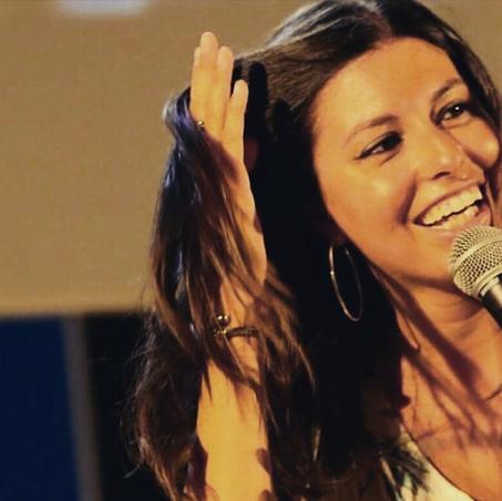 """""""Ti intervisto"""", ospite la cantante Eleonora Paroli: """"Vorrei duettare con Samuele Bersani"""""""