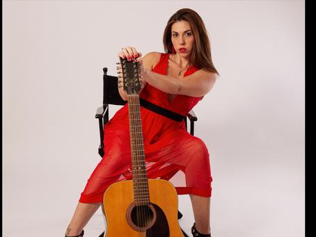 """Valentina Laureana: ci presenta il suo singolo """"Semplicemente donna""""   INTERVISTA E FOTO"""