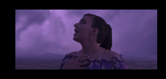 """Musica, il videoclip """"Temporale"""" della giovane cantautrice emergente Laura Paterni   NEWS"""