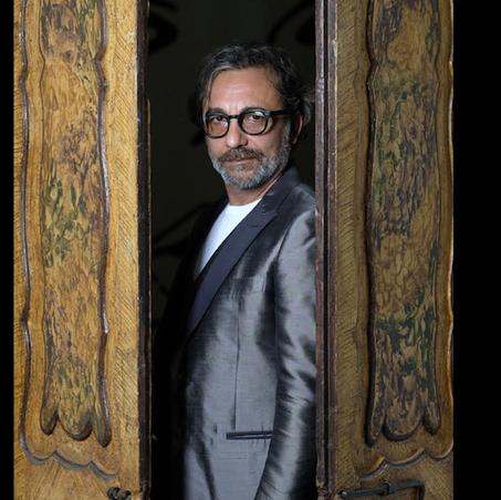 Alessandro Pondi, il regista che racconta la vita fra emozioni e ironia | INTERVISTA E FOTO