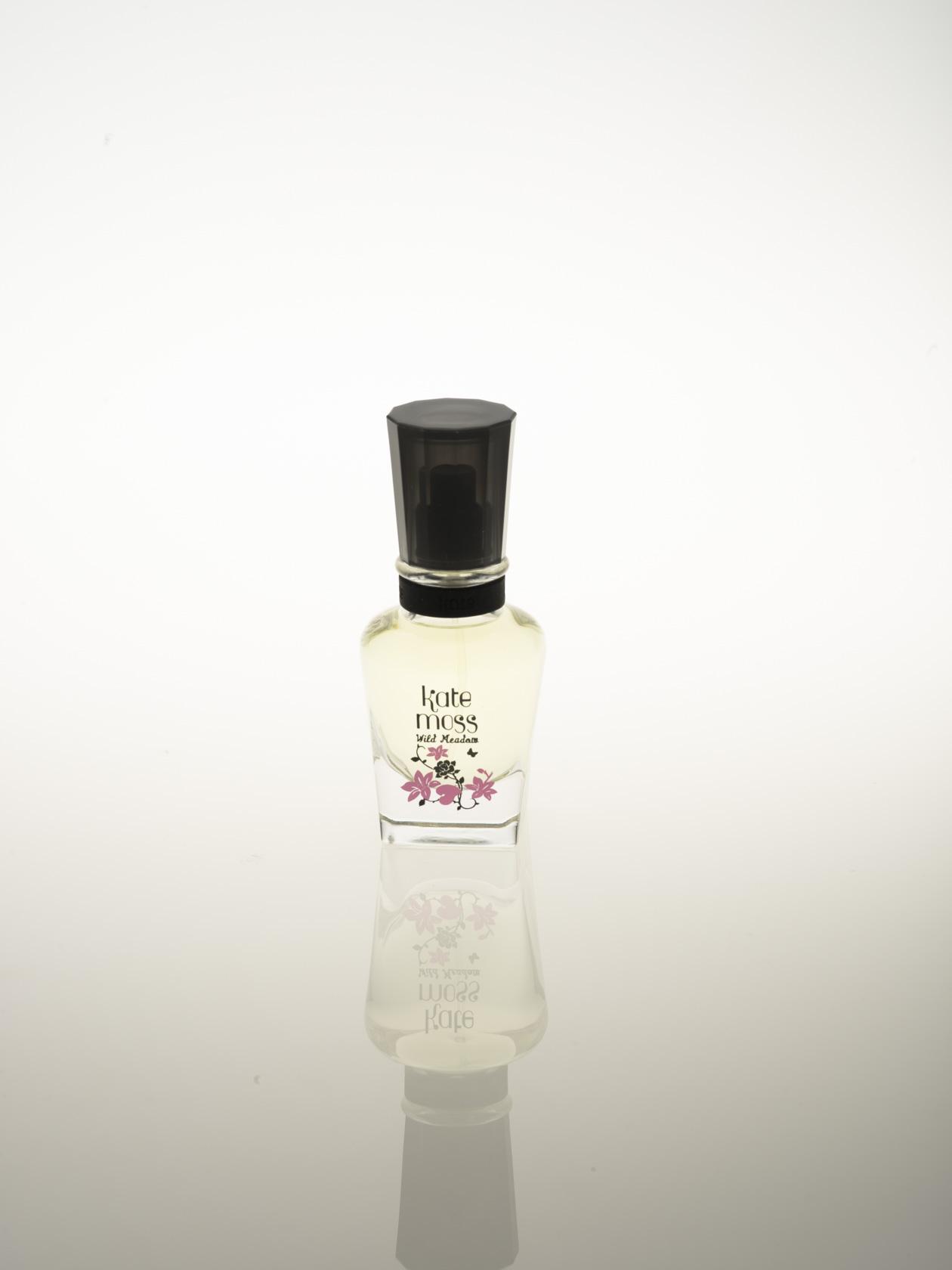 香水含自然倒影(現場拍攝無後製呈現)