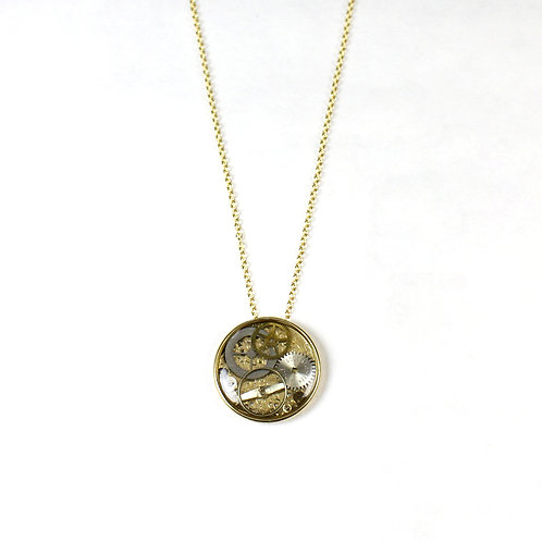 Gold Round Frozen Time Necklace