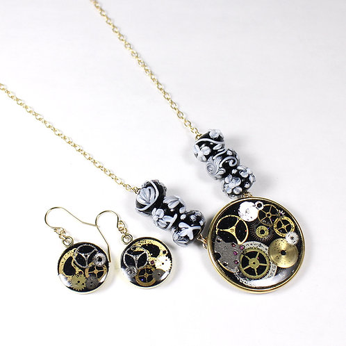 Steampunk Flowery Glass Bead Necklace Set