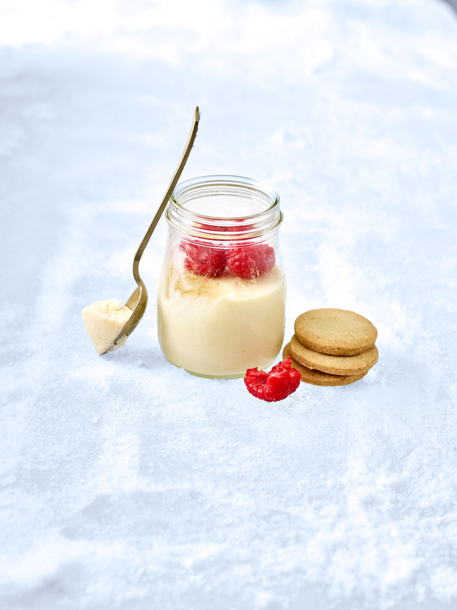 White-chocolate-and-raspberry-pots copy
