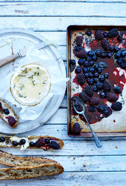 Baked-camembert-with-roasted-berries copy