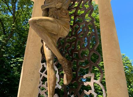 Sculpture Femme libre et sensuelle