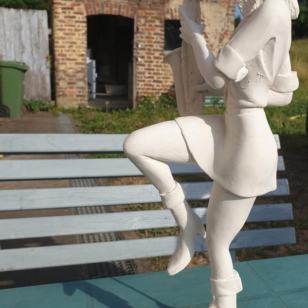 La Saxophoniste bronze 37 cm