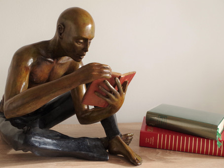 Un homme qui lit !