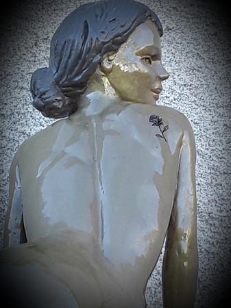 sculpture femme séduisante