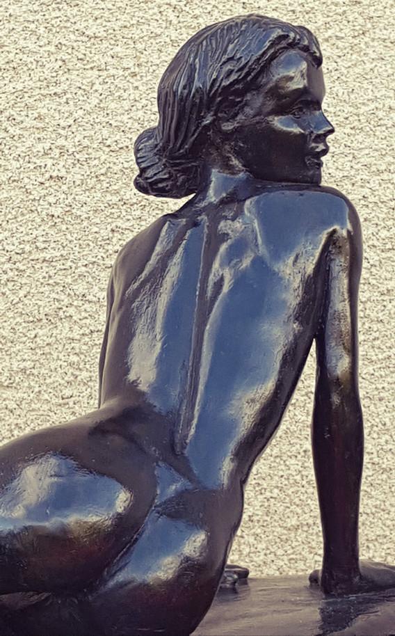 Sculpture femme la fidélité