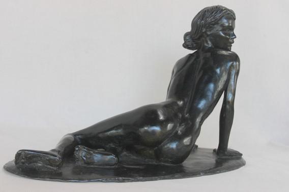 Sculpture femme nue, nostalgique