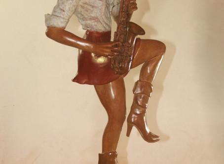 Une musicienne en bronze !