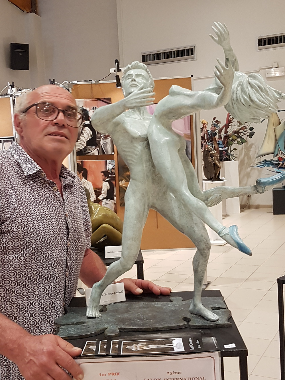 Beauté des corps, bronze éternel, Les Oiseaux , coulés  à la fonderie Chapon, des danseurs qui s'envolent, un porté original, une danseuse nue chaussée de bleu !