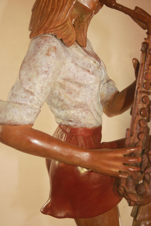 La musicienne et son saxo